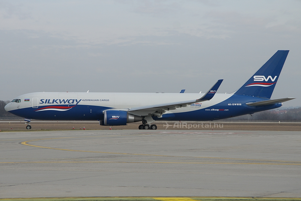 Megkezdődtek a rendszeres cargo repülések Bakuba