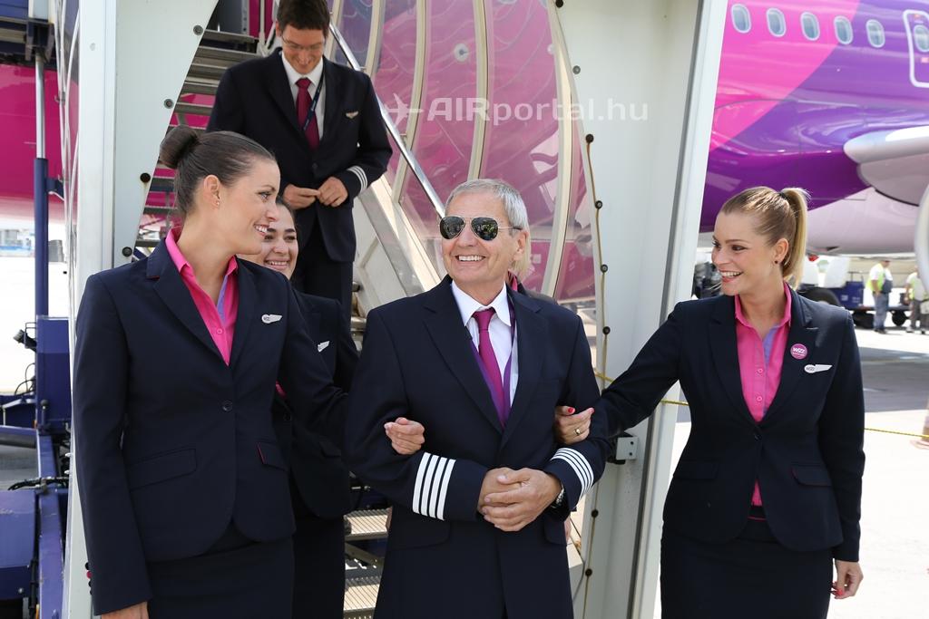 Először búcsúztatott kapitányt a Wizz Air
