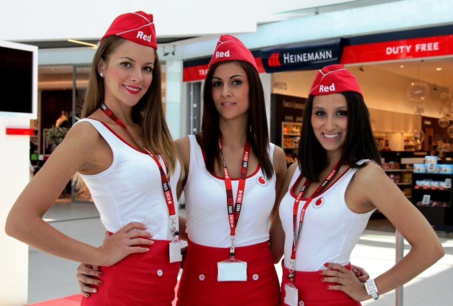 Vörös riasztás a repülőtéren: elindult a Vodafone Red Pass!