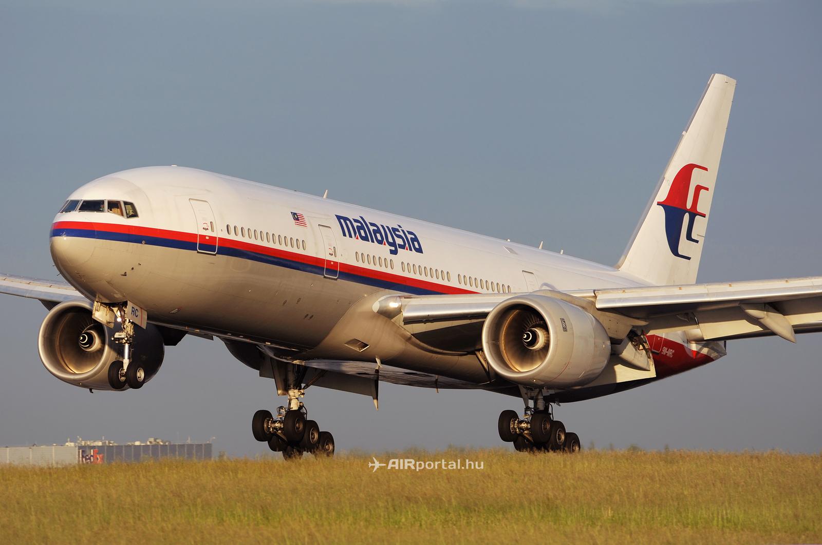Lelőtték a Malaysia Boeing 777-esét Ukrajnában