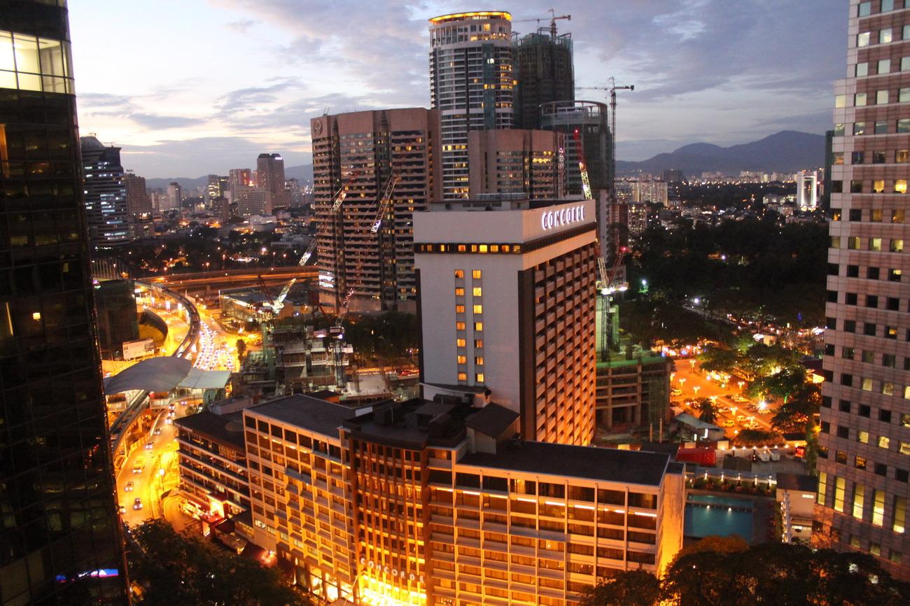 Éjszakai kilátás a Shangri-La hotelből