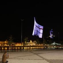 Repülővel nyomtatnak a budapesti égre