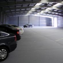 A fedett reptéri parkolás = jókedv