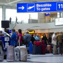 Reggeli tumultus a reptéren