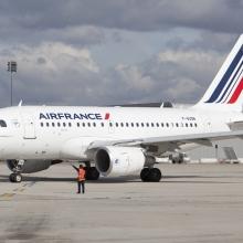 Visszatér az Air France kora reggeli párizsi járata
